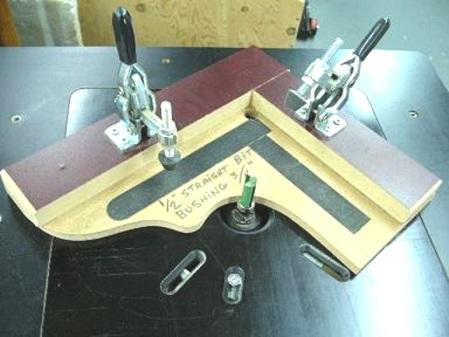 Gabarit pour coupes multiples à la table à toupie - Router Table Multiple Cuts Pattern Fixture