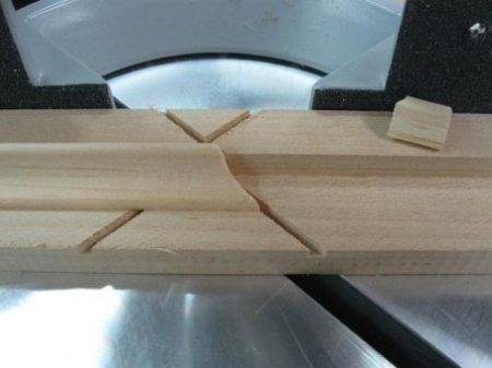 Cut Moldings at the Miter Saw