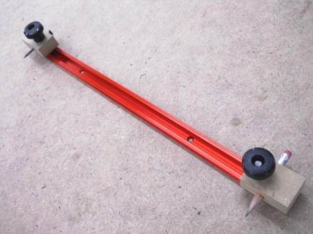 T-track Drawing Compass / Compas à tracer sur rail d'aluminium