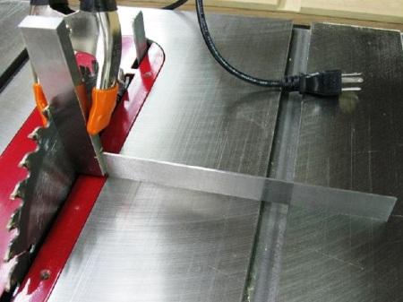 Better Way to Square Table Saw Blades / Meilleure façon pour régler la lame de scie d'équerre