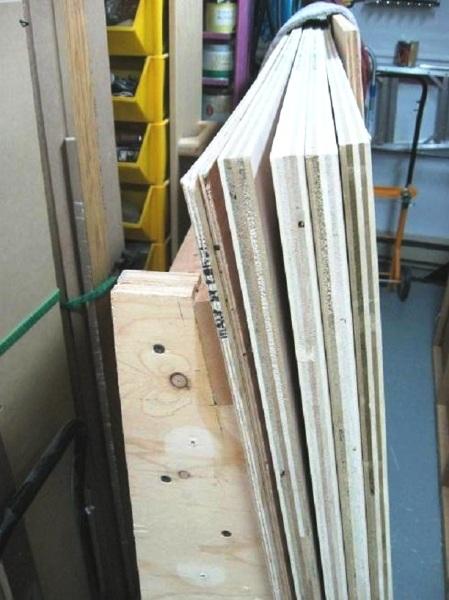 storing plywood flat ranger le contreplaqu plat. Black Bedroom Furniture Sets. Home Design Ideas