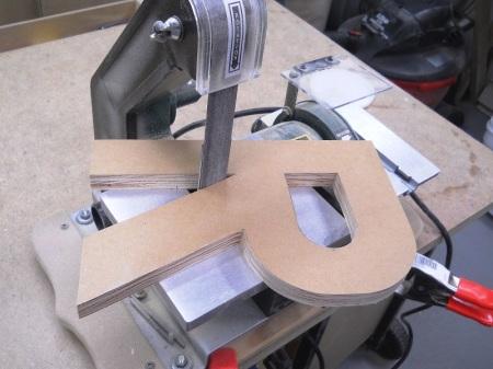 Making Sign Letters / Réaliser des lettres d'enseigne
