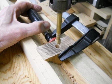 From Right Angle Clamps to Corner Clamps / De pinces à angle droit à pinces à coins