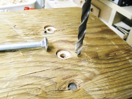 New Tools - Arbor Press and Stool / Nouveaux outils - Presse à crémaillère et marchepied